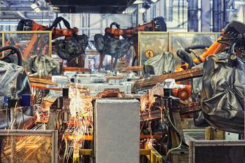 bigstock_robots_welding_in_a_car_factor_26269850.jpg