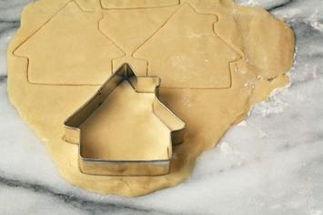 cookie cutter house-iStock_000001946391XSmall.jpg