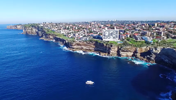 hilly_suburb_of_Dover_Heights_Sydney_Australia.png