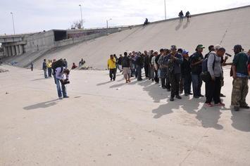 immigrants-at-us-border.jpg