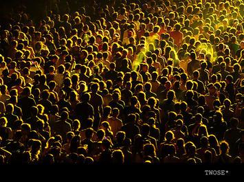 yellowcrowd.jpg